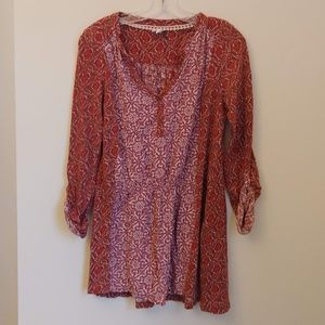 Anthropologie Akemi + Kin red pattern tunic print
